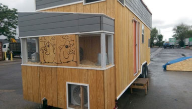 mobile shipping container cabin exterior
